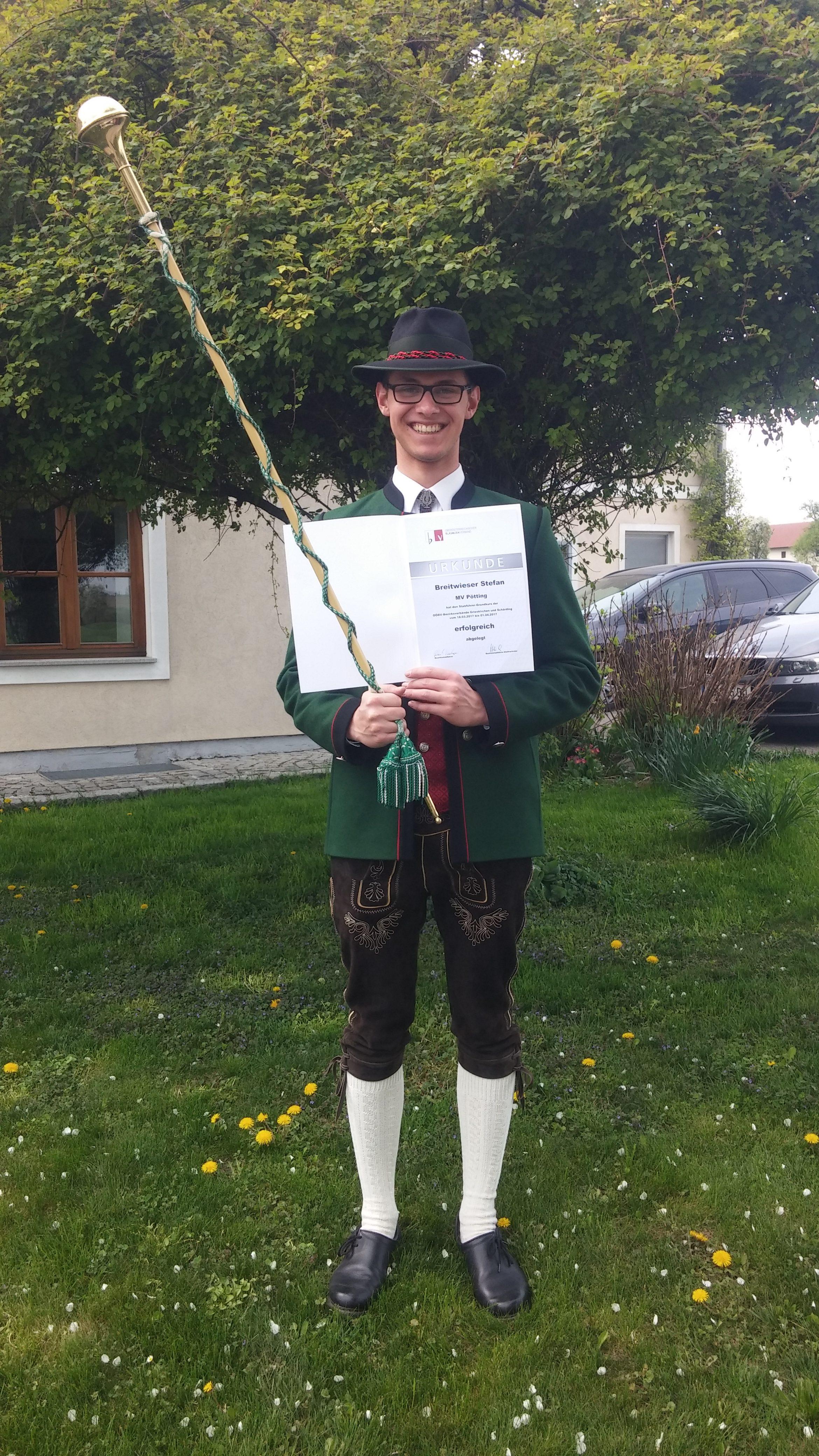 Stabführer-Grundkurs erfolgreich absolviert
